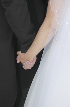 Wedding_hand_in_hand_2