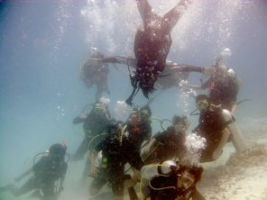 Underwater photo group! picture from Aditya's collection