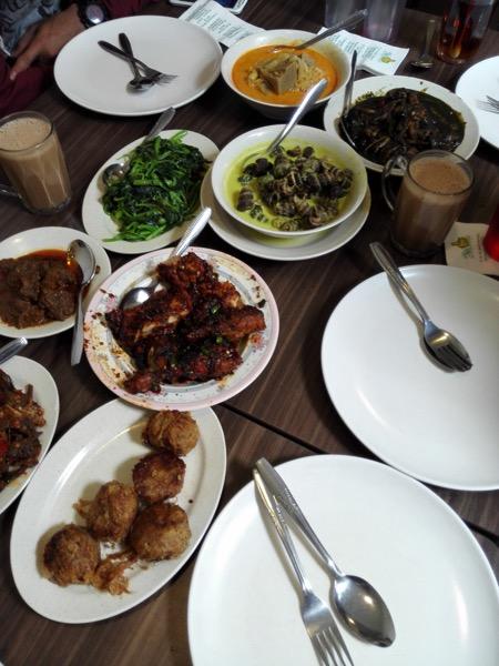 Makan siang kami