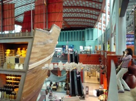 Memotret kapal Laksamana Cheng Ho
