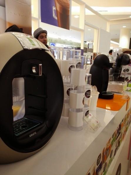 Model mesin Dolce Gusto yang lebih besar