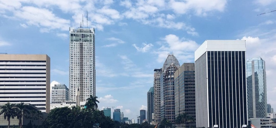 Memandang Langit Jakarta