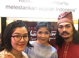 Foto bersama Nita dan Haikal Baron :))